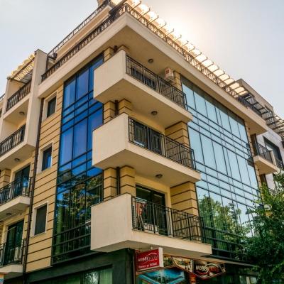 красива сграда в центъра на Бургас